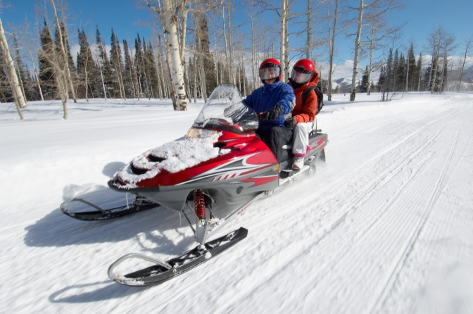Have Some Winter Fun With Your Friends and Family – Go Snowmobiling