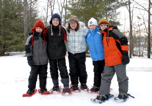 kids-snowshoe-group_thacher