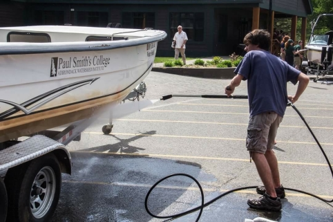 Boat washing 2